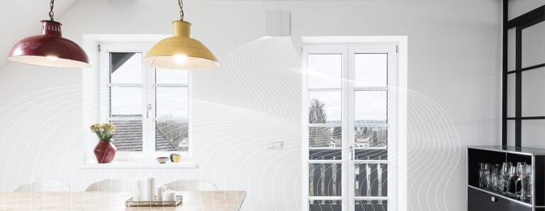Wohnraumlüftung wird dargestellt mittels Wellen, die sich im Raum ausbreiten.